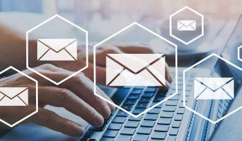 E-Mail Marketing Kampagne auf Laptop
